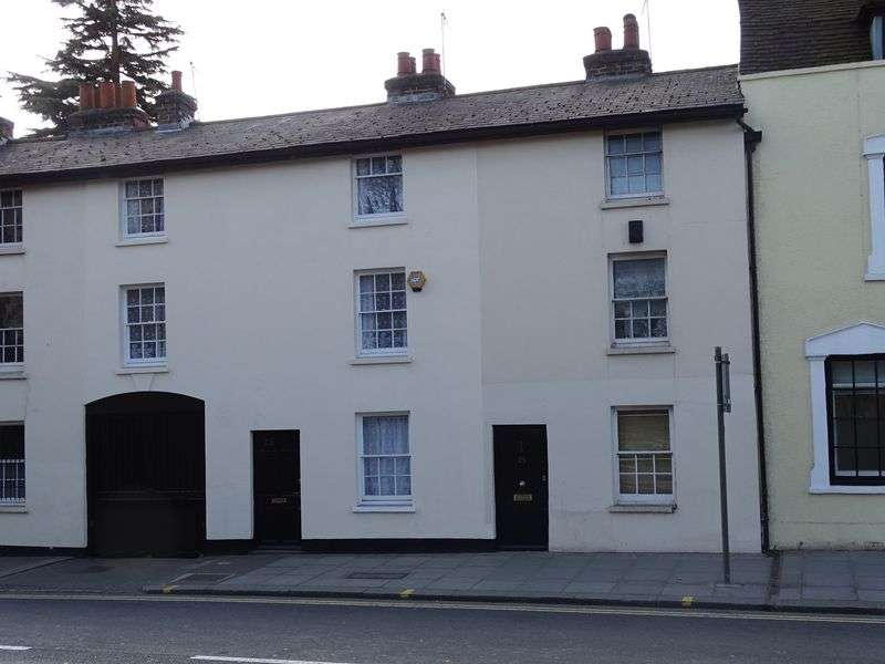 2 Bedrooms Terraced House for sale in Wood Street, High Barnet