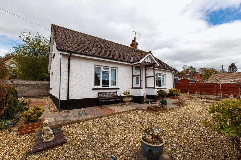 3 Bedrooms Detached Bungalow for sale in Buller Road, Crediton