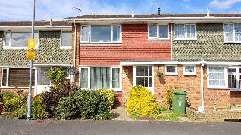 3 Bedrooms Terraced House for sale in Sovereign Close, Southsea