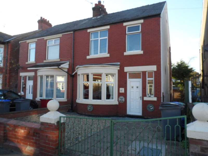 3 Bedrooms Property for sale in 26, Blackpool, FY4 4JR
