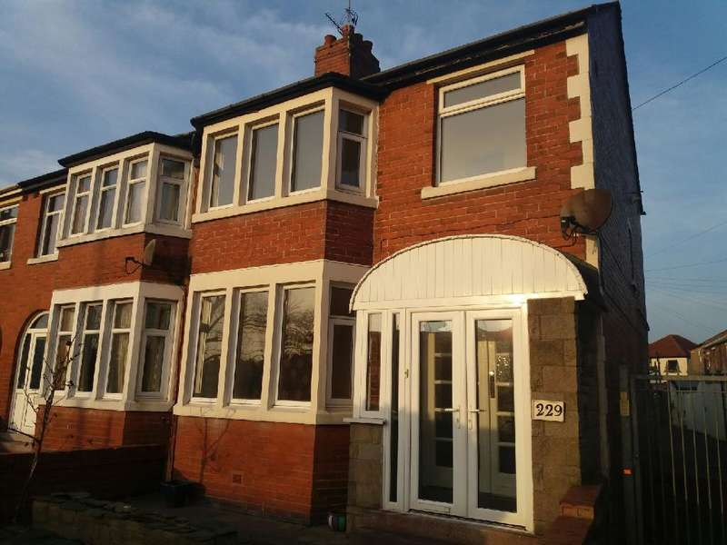 3 Bedrooms Property for sale in 229, Blackpool, FY3 7EW
