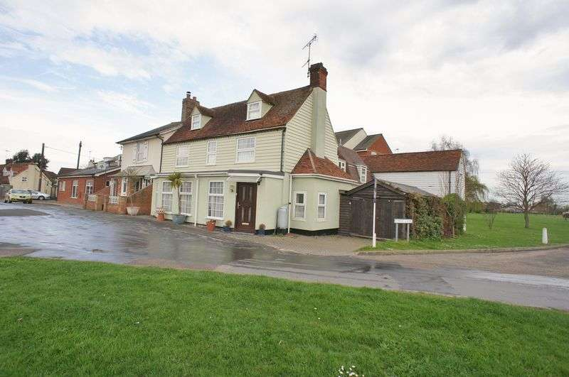 5 Bedrooms Semi Detached House for sale in The Green, Gt Bentley