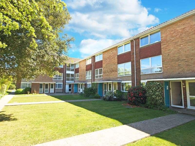 2 Bedrooms Maisonette Flat for sale in Montagu Road, Highcliffe, Christchurch
