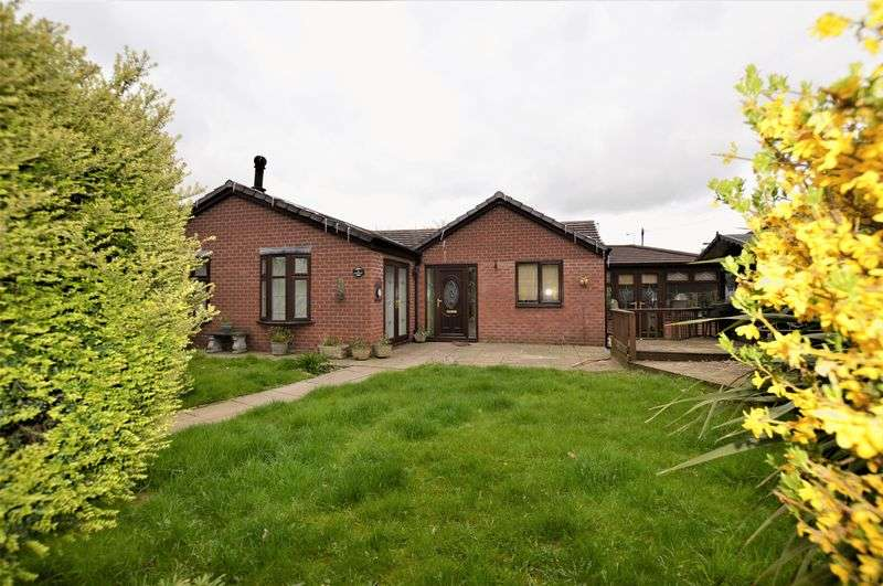 3 Bedrooms Detached Bungalow for sale in James Street, Audenshaw