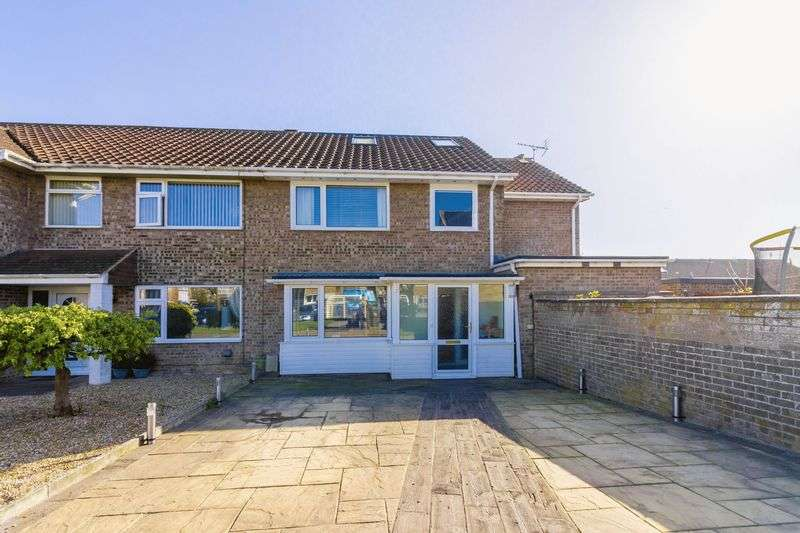 4 Bedrooms Terraced House for sale in The Lawns, Lancing