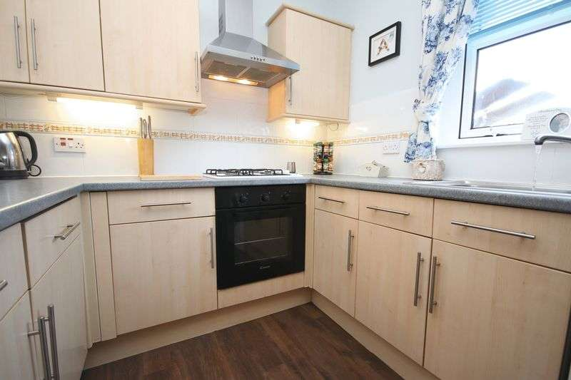 2 Bedrooms Semi Detached House for sale in 27 Cowdenhill Road, Bo'ness