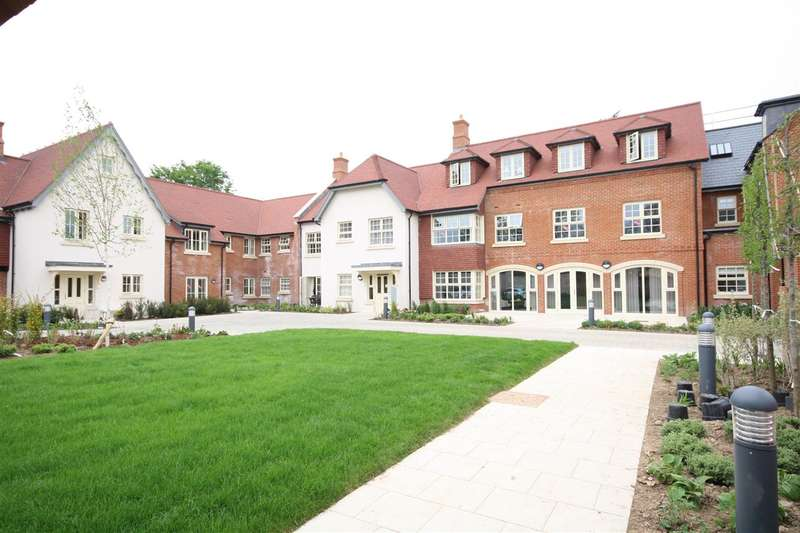 2 Bedrooms Apartment Flat for sale in Wykeham Court, Fareham