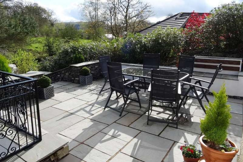 4 Bedrooms Detached House for sale in High Beeches, Staveley-In-Cartmel, Newby Bridge, Cumbria, LA12 8NL