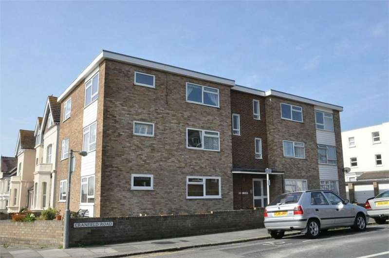 2 Bedrooms Flat for sale in Cranfield Road, Bexhill-on-Sea, TN40