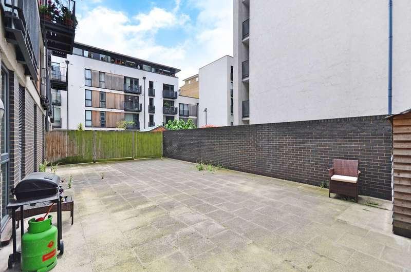 3 Bedrooms Flat for sale in City Walk, London Bridge, SE1