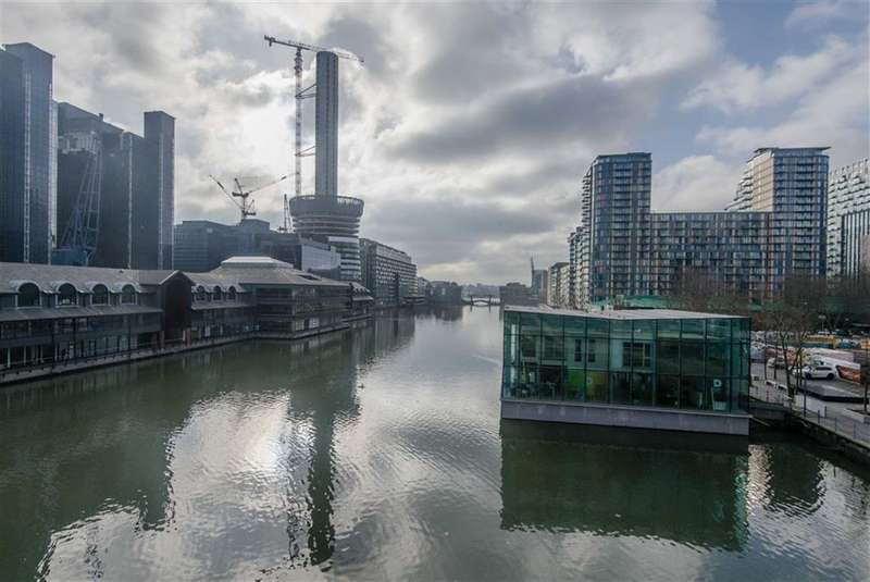 2 Bedrooms Property for sale in Arena Tower, Canary Wharf, London, E14