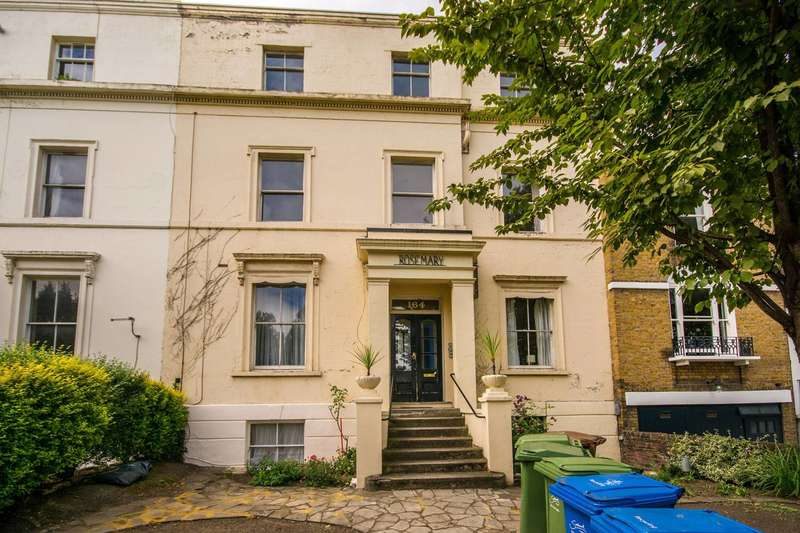2 Bedrooms Flat for rent in Peckham Rye, East Dulwich, SE22