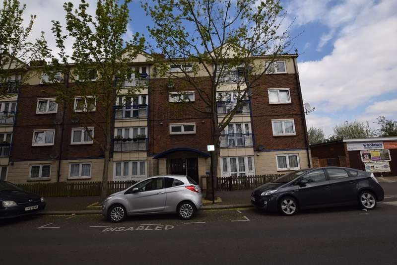 2 Bedrooms Flat for sale in Woodman street, London, London, E16
