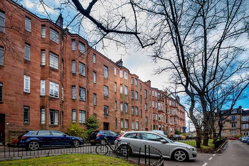 2 Bedrooms Flat for rent in Dudley Drive, West End, Glasgow