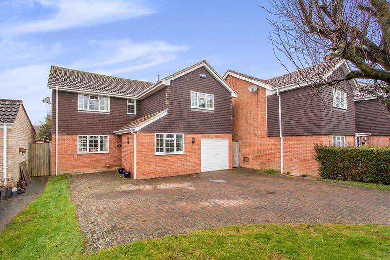 4 Bedrooms Detached House for sale in Dimmock Close, Paddock Wood, Tonbridge, TN12