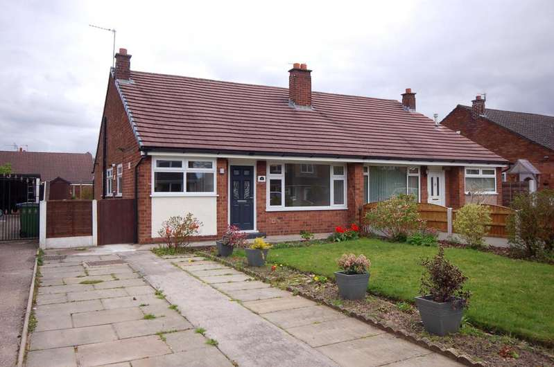 3 Bedrooms Semi Detached Bungalow for sale in Oakdale Drive, Heald Green, Cheadle SK8
