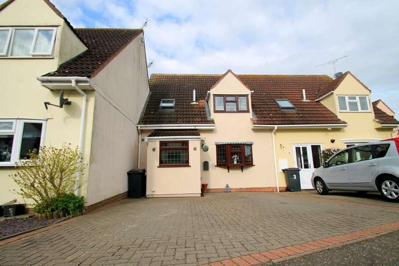 3 Bedrooms Terraced House for sale in Churchill Rise, Chelmsford