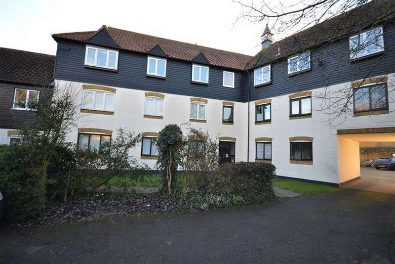 2 Bedrooms Apartment Flat for sale in Bucklebury Heath, South Woodham Ferrers, Essex