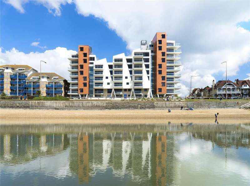 3 Bedrooms Flat for sale in S9 The Shore, 22-23 The Leas, Westcliff-on-Sea, Essex, SS0