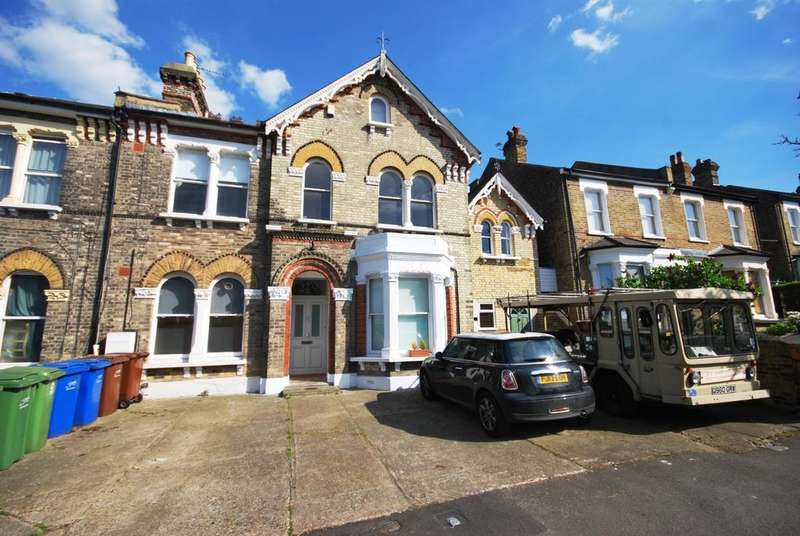 2 Bedrooms Flat for sale in Friern Road East Dulwich SE22