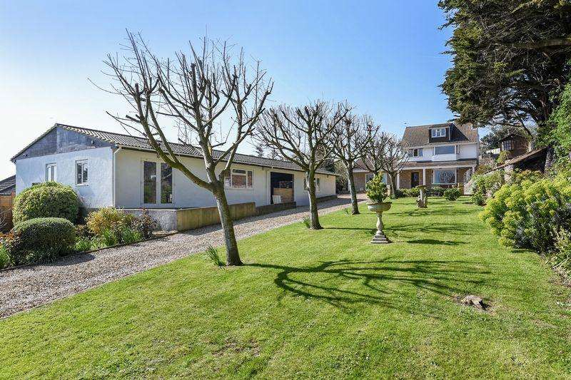 4 Bedrooms Detached House for sale in Milton Road, Weston-Super-Mare