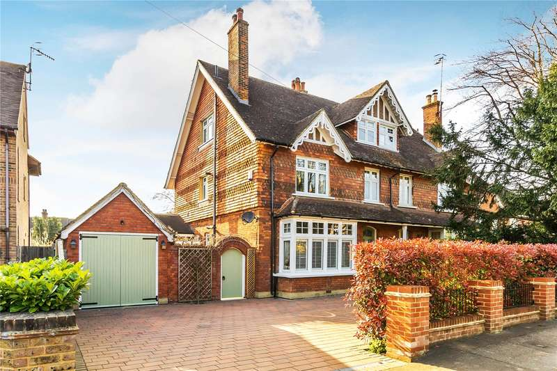 4 Bedrooms Semi Detached House for sale in Mid Street, South Nutfield, Surrey, RH1