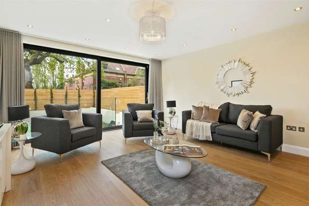 4 Bedrooms Semi Detached House for sale in King Edwards Mews, Acton