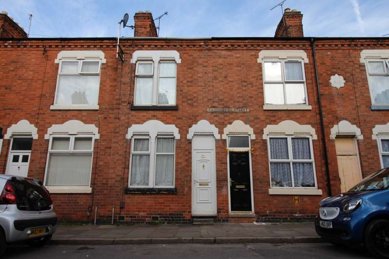 3 Bedrooms Terraced House for sale in Farringdon Street, Leicester, LE5