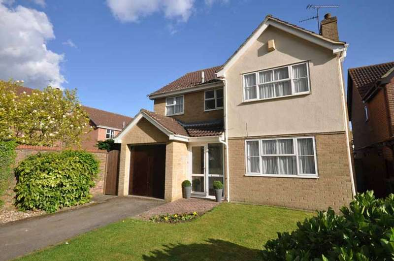 4 Bedrooms Detached House for sale in Ennerdale Avenue, White Court, Braintree, CM77