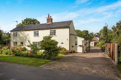 4 Bedrooms Detached House for sale in Westfield, Dereham, Norfolk