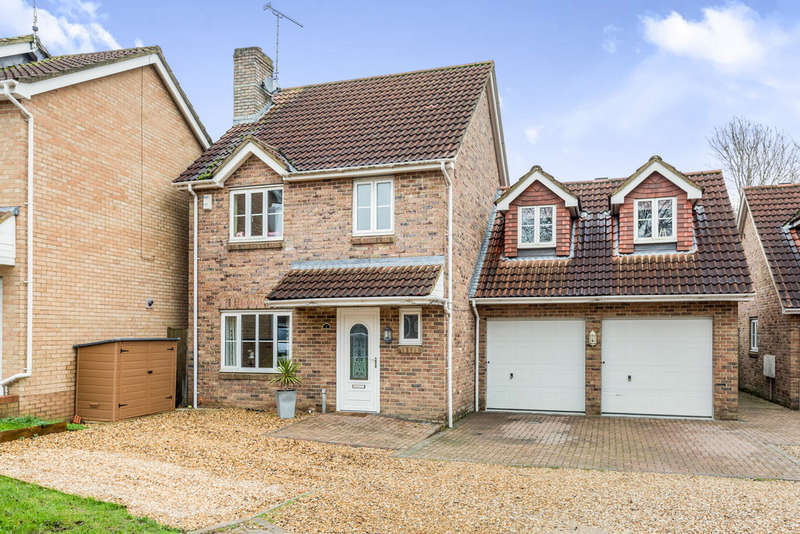 5 Bedrooms Detached House for sale in Ashtree Close, Kingdown Park