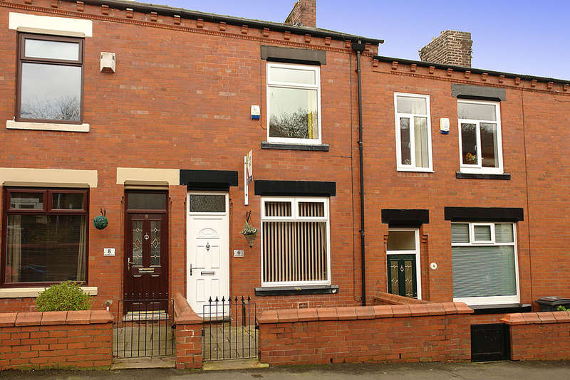 2 Bedrooms Terraced House for sale in 6 Radcliffe Road, Watersheddings, Oldham