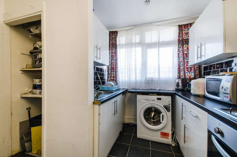 2 Bedrooms Flat for sale in Glengall Road, Peckham, SE15