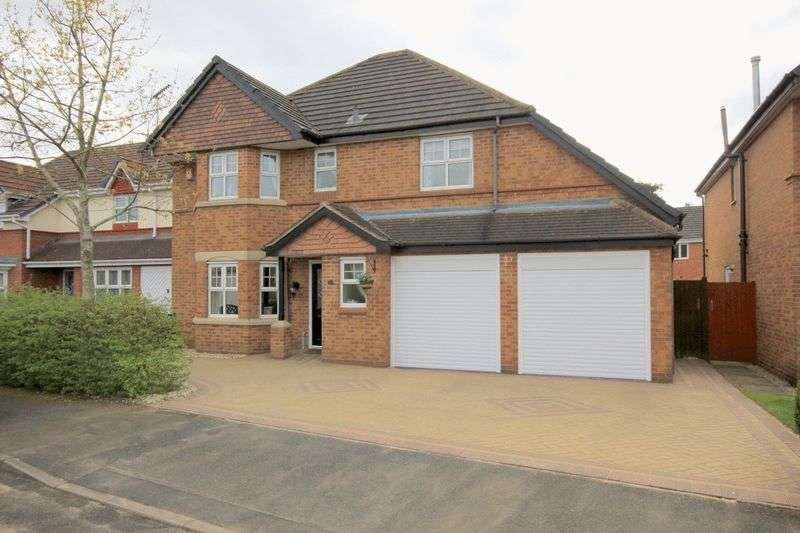 5 Bedrooms Detached House for sale in Daurada Drive, Meadowcroft Park, Stafford