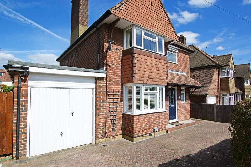 3 Bedrooms Detached House for sale in Aldershot Road, Guildford