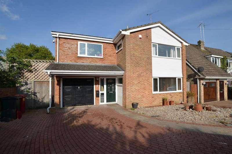 4 Bedrooms Detached House for sale in Cromer Close, Tilehurst, Reading