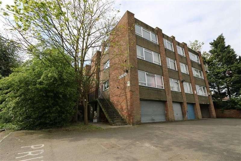 1 Bedroom Flat for sale in Eglinton Hill, Shooters Hill, London, SE18