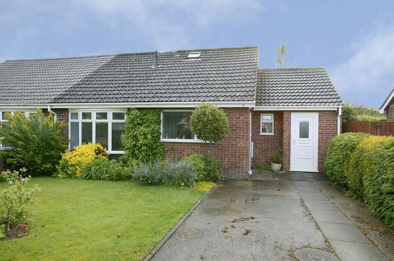 3 Bedrooms Chalet House for sale in Long Lane, Mulbarton