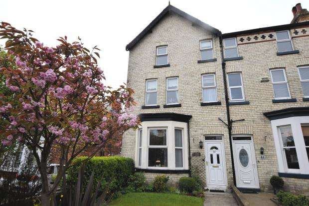 4 Bedrooms Semi Detached House for sale in Stepney Road, Scarborough, North Yorkshire YO12 5BN
