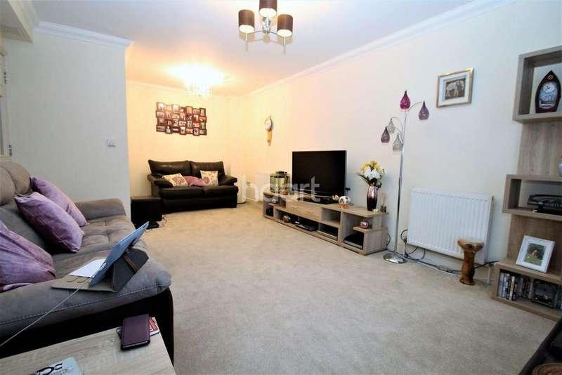 2 Bedrooms Flat for sale in Crossley View