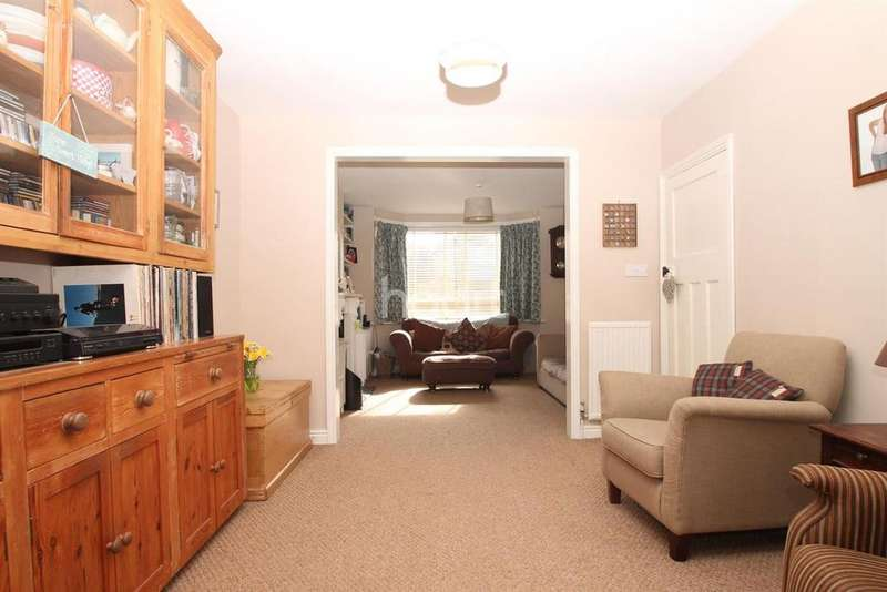 4 Bedrooms Semi Detached House for sale in Kelvin Close, Cambridge