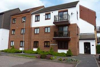 2 Bedrooms Flat for sale in Spithead Heights, Eastney, Southsea, PO4 9UG