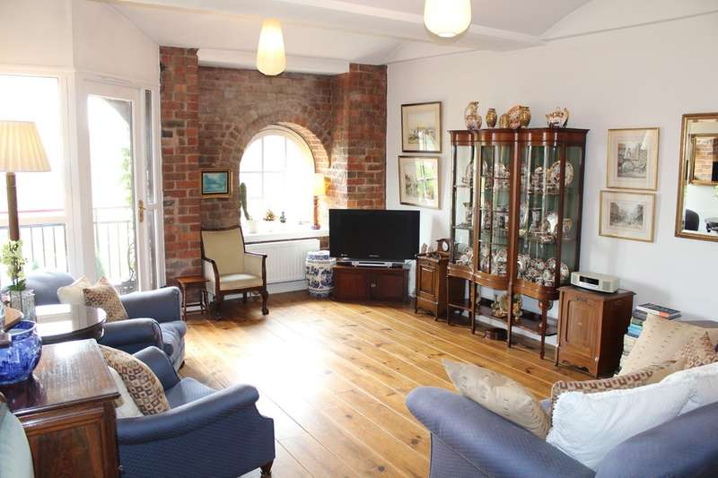 1 Bedroom Flat for sale in Middle Warehouse, Castle Quay, Manchester