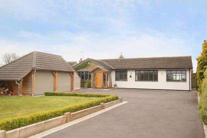 4 Bedrooms Bungalow for sale in Cartledge Lane, Holmesfield, Dronfield, Derbyshire