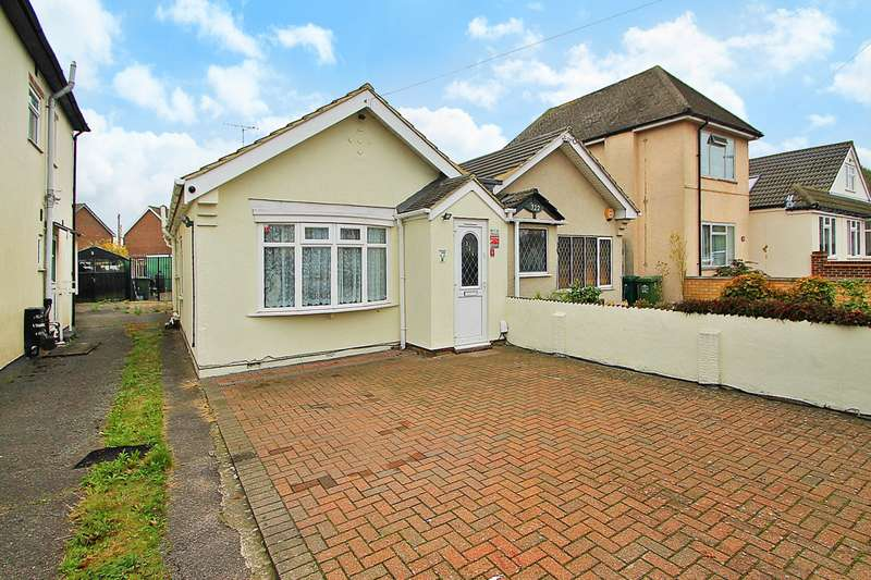 2 Bedrooms Bungalow for sale in Feltham Hill Road, Ashford, TW15