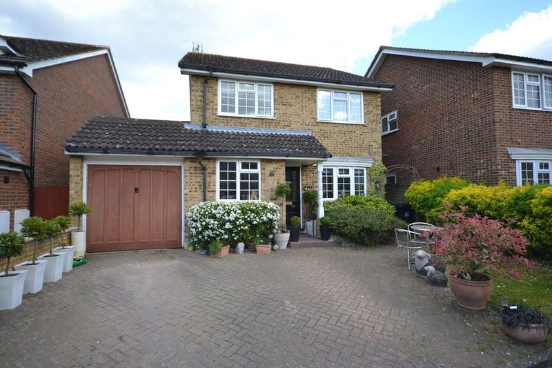 3 Bedrooms Detached House for sale in Byfleet Village
