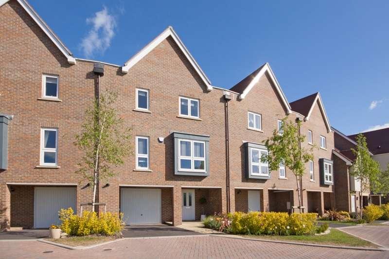 3 Bedrooms Terraced House for sale in Hawkins Road, Haywards Heath, West Sussex, RH17