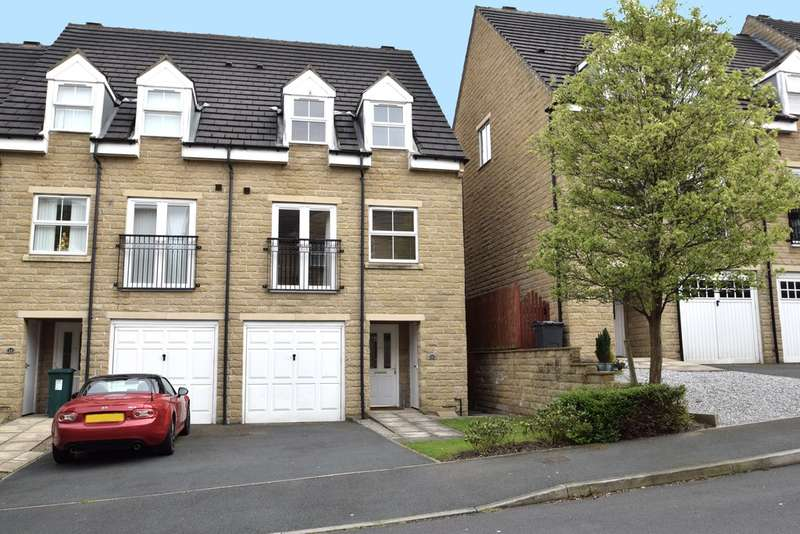 3 Bedrooms Town House for sale in Oberon Way, Cottingley