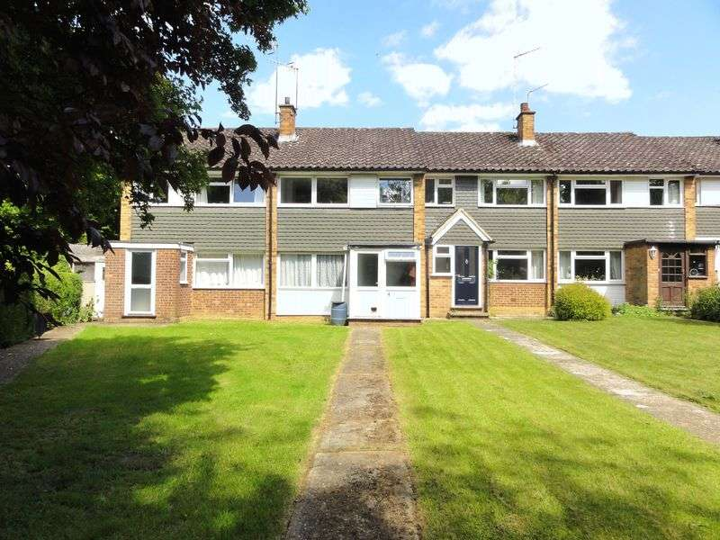 3 Bedrooms House for sale in Cranleigh Mead, Cranleigh