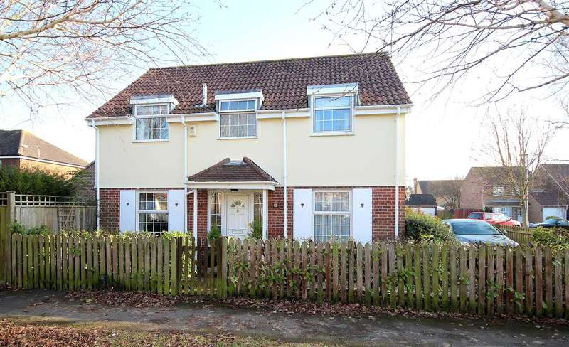 4 Bedrooms Detached House for sale in Laurel Close, Worthing.